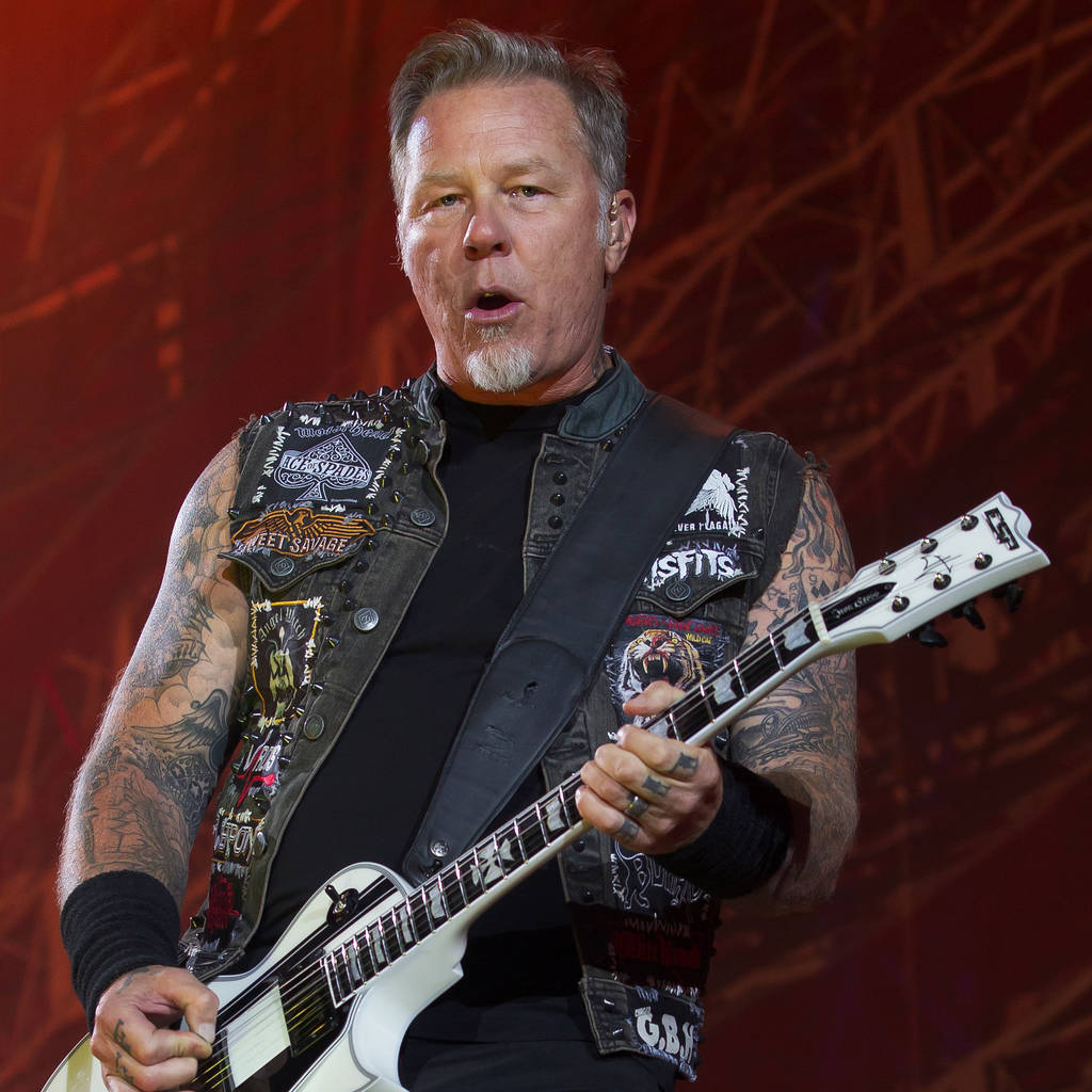 I Fall Apart Music Id: James Hetfield: 'Metallica Could Fall Apart At Any Moment