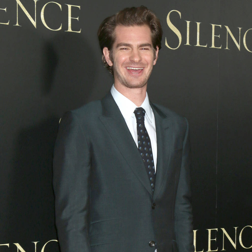 Andrew Garfield prefers awkward hugs over selfies with fans