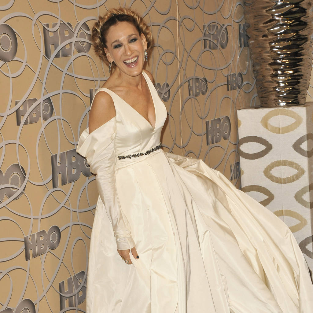 Sarah Jessica Parker hit the Golden Globes in a wedding dress