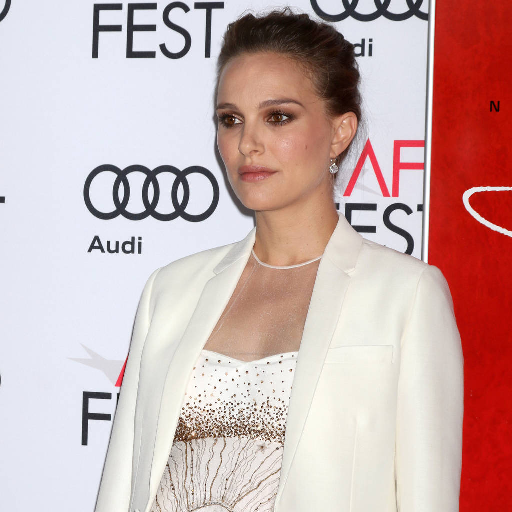 Pregnant Natalie Portman shines on the red carpet at Gotham Awards